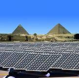 Sol- paneler i Egypten Arkivbilder