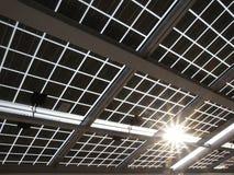 sol- panelström Arkivfoton