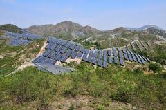 Sol- photovoltaic kraftgenerering royaltyfri foto