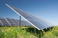 sol- station för ström arkivbild