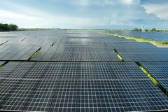 sol- station för ström Arkivfoton