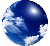 Sol surpreendente no céu azul. Fotos de Stock