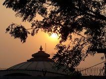 Sol & tempel royaltyfri bild