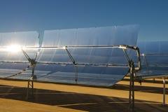 sol- thermal för elektricitetsenergiväxt Fotografering för Bildbyråer