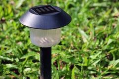 sol- trädgårds- lampa Arkivfoto