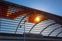 Sol a través del tejado Imagenes de archivo