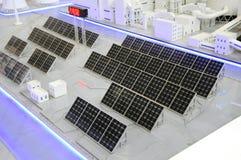 sol- växt för clean energi royaltyfri foto