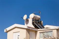 Sol- varmvattensystem Arkivfoto