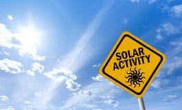 sol- varning för aktivitetstecken Royaltyfri Fotografi