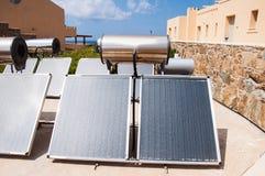 sol- vatten för värmeapparat Arkivfoto