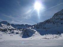 Sol y nieve en Grandvalira 库存图片