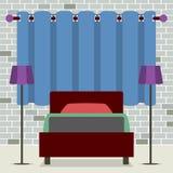Sola cama del diseño plano con las lámparas Fotografía de archivo