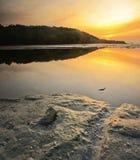 Sola piedra durante salida del sol foto de archivo libre de regalías