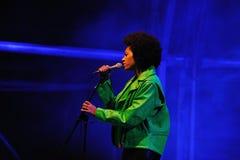 Solange Knowles se realiza en el festival 2013 del sonido de Heineken Primavera imagen de archivo libre de regalías