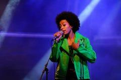 Solange Knowles utför på den Heineken Primavera ljudfestivalen 2013 Arkivbild