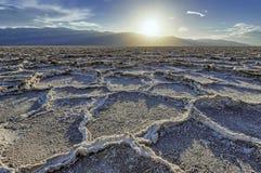 Solankowe Badwater formacje w Śmiertelnym Dolinnym parku narodowym Obraz Royalty Free