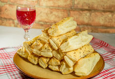 Solankowi tortów bary z szkłem wino Obraz Royalty Free