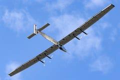 Solar Impulse 2 is een Zwitsers ontwikkeld lange afstand experimenteel zonne aangedreven vliegtuig met de registratie hb-SIB stock fotografie