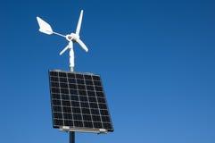 Solar y energía eólica imagenes de archivo