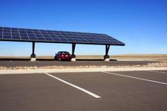 Solarautoparkplatz Lizenzfreies Stockfoto