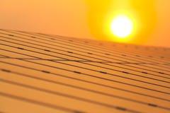 Solarenergie für elektrische erneuerbare Energie von der Sonne Stockfotografie