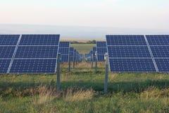 Solarenergie, Sonnenkollektoren, erneuerbare Energiequellen, PV-Module stockfotos
