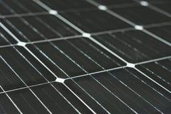 Solarenergie wird durch Solarzellen produziert Ist saubere und unbegrenzte Energie alternative Energie des Konzeptes der sauberen lizenzfreie stockfotografie