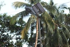 Solarenergiestraßenbeleuchtung lizenzfreies stockbild