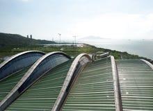 Solarflächen im Abfall zum Energieumsetzungs-Park Stockfotos