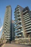 Solaria, nowi moda budynki mieszkaniowi w Porta Nuova terenie Mediolan Maj 2017 Włochy, Mediolan, Torre - Obrazy Stock