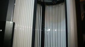 Solarium op het kuuroordcentrum stock video