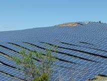 Solarkraftwerk südlich von Frankreich, puimichel, Provence Lizenzfreies Stockbild