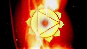 Solarplexus Manipura Chakra Mandala Spins i guld- energifält av brand