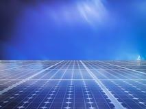 Solarzellenenergiestromnetz im Himmelhintergrund Stockfotografie