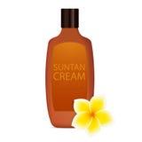 Solbrännakräm med blomman för plumeria (frangipani) Arkivfoton