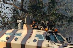 Soldado índio - um atirador afiado com uma metralhadora foto de stock royalty free