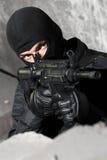 Soldado armado com o rifle M-4 fotos de stock royalty free