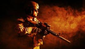 Soldado barbudo de las fuerzas especiales imagen de archivo