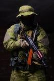 soldado com arma Imagens de Stock Royalty Free