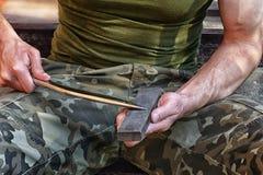 Soldado com faca Imagens de Stock