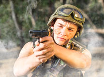 Soldado con el arma Fotos de archivo libres de regalías
