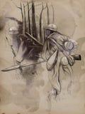 Soldado con un rifle en el bosque - dé la imagen exhausta Foto de archivo
