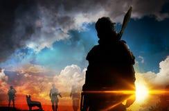 Soldado da silhueta no por do sol Imagem de Stock