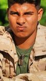 Soldado de sexo masculino colombiano joven confuso Fotos de archivo libres de regalías