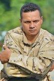 Soldado de sexo masculino militar obstinado fotografía de archivo libre de regalías