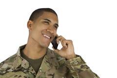 Soldado del afroamericano en el teléfono Imágenes de archivo libres de regalías
