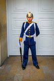 Soldado del guardia presidencial en la casa de Narino Imagenes de archivo
