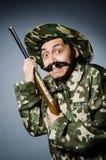 Soldado divertido contra Fotos de archivo libres de regalías