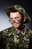 Soldado divertido en militares Imagen de archivo