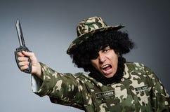 Soldado divertido en militares Imagenes de archivo